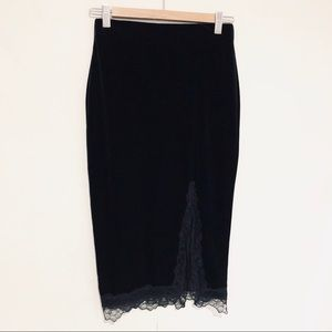 NWOT H&M velvet and lace pencil skirt